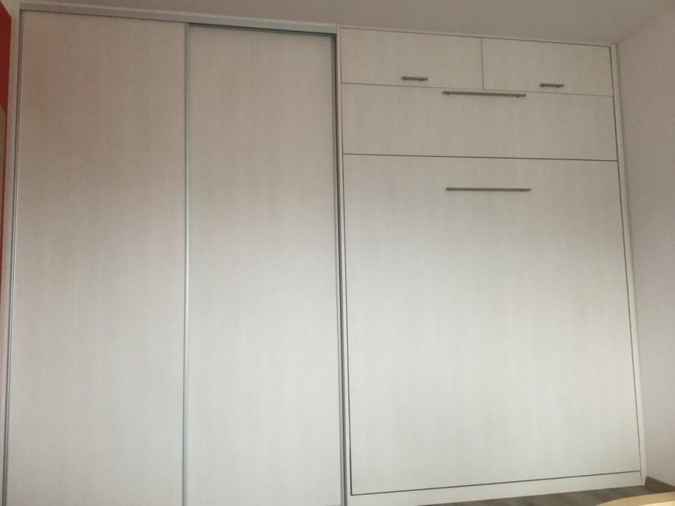 Vestavná skříň - posuvné dveře/Sklopná postel
